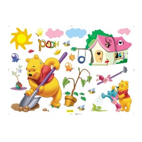 Pooh Gardening